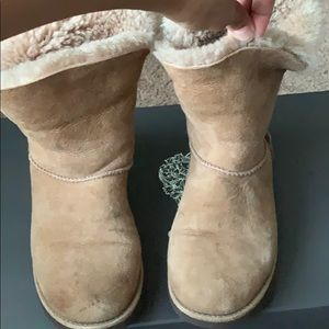 Short Uggs Tan with Fold over Fur lining